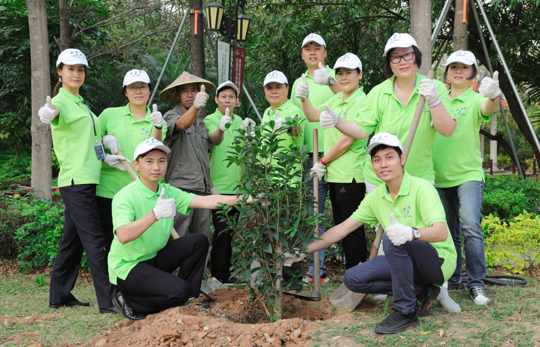 建设美丽中国,罗西尼表业开展义务植树活动